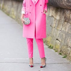 Christian Louboutin x Pink #bags #shoes #heels #street #streetstyle #streetfashion #style #styling #stylish #fashion #fashionable #pink #red #christianlouboutin #carolinesmode #stockholmstreetstyle