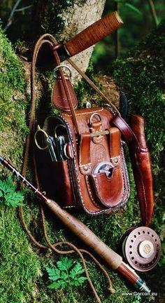 Rear side of leather pouch. Fly fishing gear for trout fishing Fly Fishing Gear, Gone Fishing, Trout Fishing, Fishing Lures, Fly Gear, Fishing Stuff, Fishing Reels, Fishing Backpack, Gear 3