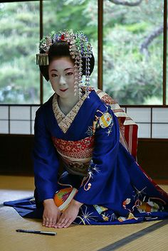 Kimika of Miyagawacho as a junior maiko in May by WATASAN on Flickr Kimika is now a famous geiko.