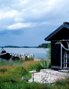 have been dreaming of this very thing (little house on the water) recently...