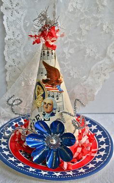 Vintage Look Patriotic Centerpiece or Small Place Card - Use Americana Scrapbook Paper