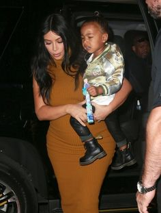 Kim Kardashian Photos - Kim Kardashian And Daughter North Step Out In NYC - Zimbio