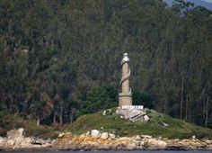 Faro de Punta Tenlo Chico. Isla de Tambo / Galicia / Spain