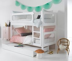 chambre d 39 enfants kid 39 s room on pinterest deco bebe. Black Bedroom Furniture Sets. Home Design Ideas