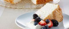 Angel cake- Usar harina panificable sin glúten, 1 chdita de polvo de horneras y ralladura de un limón