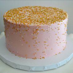 New birthday cake gold simple baby shower Ideas - Birthday Cake Blue Ideen Birthday Cake Roses, New Birthday Cake, Birthday Board, Birthday Nails, 13th Birthday, Birthday Ideas, Birthday Parties, Smash Cake Girl, Girl Cakes