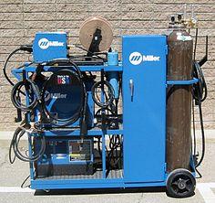 A very efficient welding cart design.