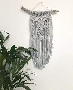 Le chouchou de ma boutique https://www.etsy.com/fr/listing/498045524/macrame-wall-hanging-tenture-murale