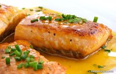 Salmón a la naranja Fırın yemekleri Cooking Time, Cooking Recipes, Dinner On A Budget, Ceviche, Fish Recipes, Salmon Burgers, Healthy Dinner Recipes, Seafood, Food And Drink