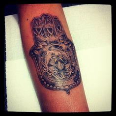Tattoo Antebraço #lotus #dotwork #flederweiss #eye #horseshoe #hand