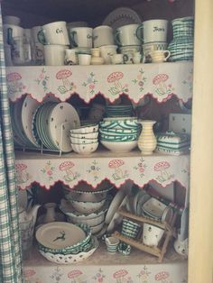 Some of my personal collection looking a bit messy. I never get tired of this pottery at my second home. It's timeless and dear. Gmunden Austria, Tablescapes, Beautiful Places, Pottery, Ceramics, Collection, Home, Dirndl, Ceramica