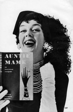 Rosalind Russell - Auntie Mame