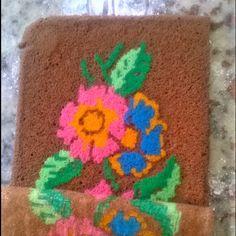 Desenformando a estampa do bolo estampado! Tema bordado em ponto cruz!