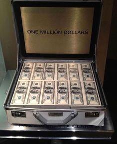 1 Million Dollars Cash - Bing images Make Money Online, How To Make Money, 1 Million Dollars, Money Pictures, Money Pics, Money Images, Dollar Money, Dollar Bills, Money Stacks