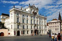 Aartsbischoppelijk Paleis // Hradčanské Náměstí // Historische Gebouwen & Monumenten
