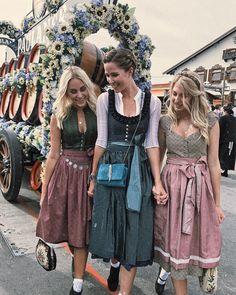 in CocoVero Dirndl Bibi, in Dirndl Nele und Bluse Resi und in unserem Dirndl Blum . Oktoberfest Outfit, Vestidos Vintage, Vintage Dresses, Vintage Outfits, Drindl Dress, German Costume, German Fashion, Mode Chic, Sweet Dress