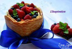 """Торт """"Баварезе"""" или """"Ягодное лукошко"""". Легкий, ароматный торт с большим количеством ягод и """"Баварезе"""". #edimdoma #cookery #summer #recipe #dessert #strawberry #cake"""