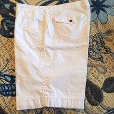 "White ASHLEY JUDD Shorts These shorts are in excellent condition. The waist measures 17"" and the inseam measures 11"". Ashley Judd Shorts"