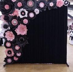 Discover thousands of images about Aranjamente florale handmade de nunta sau botez Paper Flower Backdrop, Giant Paper Flowers, Diy Flowers, Birthday Decorations, Flower Decorations, Wedding Decorations, Serviettes Roses, Diy And Crafts, Paper Crafts