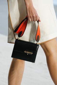 ebcc06e7e854 Hermès Spring 2019 Ready-to-Wear Fashion Show Details  See detail photos for