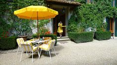 Yellow, the color of Hotel  Villa le Barone