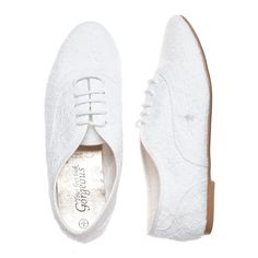 White Broderie Anglaise Brogues (135 GTQ) ❤ liked on Polyvore featuring shoes, oxfords, flats, oxford shoes, white oxford shoes, white oxford flats, brogue oxford shoes and brogue oxford