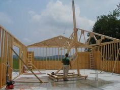 Outside Storage Shed, Crane Construction, Log Home Interiors, Diy Cabin, Portal, Farm Projects, Roof Trusses, A Frame Cabin, Homemade Tools