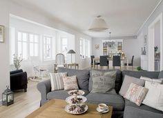Ya sabéis que soy una apasionada del estilo nórdico y, aunque no decoraría mi vivienda con estilo romántico vintage sí que es un estilo con ...