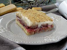 Вкуснотека: Сладкиш с бишкоти, ванилов крем и сладко от боровинки