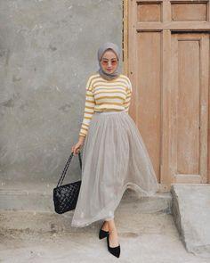 new Ideas style hijab rok tutu Skirt Fashion, Modest Fashion, Trendy Fashion, Fashion Outfits, Trendy Style, Casual Hijab Outfit, Hijab Chic, Casual Ootd, Hijab Fashion Inspiration