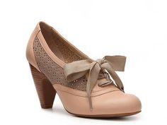 Crown Vintage Cheryl Pump Mid & Low Heel Pumps Pumps & Heels Women's Shoes - DSW