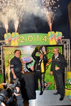 """Tony """"The Sarge"""" Schumacher wins the 2014 National Championship in the Army T/F Dragster with crew & Team by his side!"""