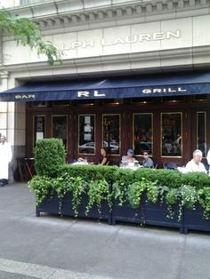 The One & Only Ralph Lauren Restaurant! Italian Restaurant Decor, Outdoor Restaurant Patio, Restaurant Design, Patio Fence, Patio Planters, Storefront Signs, Small Cafe Design, Cafe Seating, Cafe Interior