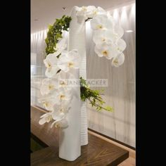Flowers For Business Jane Packer Best Corporate Flowers Account Flowers New York City NYC Manhatten White Orchids, White Flowers, Corporate Flowers, Orchid Arrangements, Most Beautiful Flowers, Arte Floral, Party Centerpieces, Flower Fashion, Flower Delivery