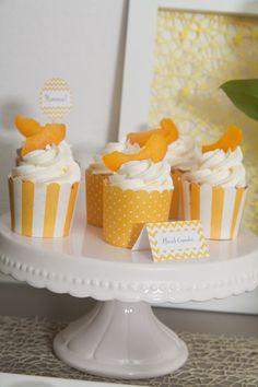 .: Sweet Table Frühling in gelb-weiß