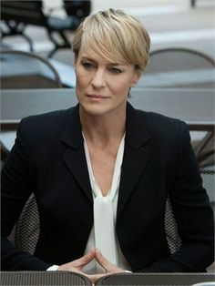 House of cards: i look di Claire Underwood - VanityFair.it