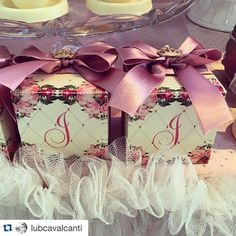 #Repost @lubcavalcanti with @repostapp. ・・・ Delicadas e floridas  @atelierartemao #lindezas #princesslub #princessparty #vamoscelebrar #decor #detalhes #atelierartemao