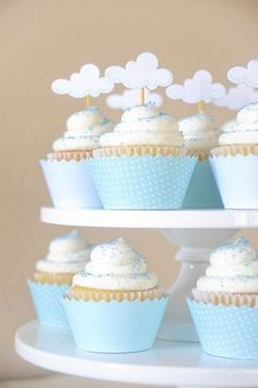 Baby shower cloud theme cloud topper on cup cakes Baby Shower Cakes, Cloud Baby Shower Theme, Gateau Baby Shower, Fiesta Baby Shower, Baby Boy Cakes, Baby Shower Balloons, Baby Shower Themes, Baby Boy Shower, Baby Shower Decorations