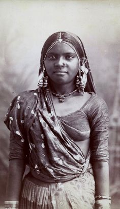 A young Indian woman in Bombay, circa 1865. || (Photo by Hulton Archive/Getty Images)