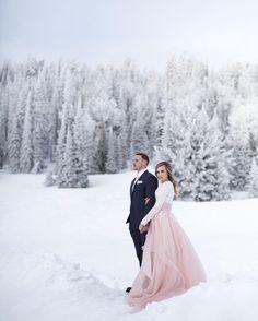 Wedding Inspiration Winter Engagement Pictures 44 Ideas For 2019 Snow Wedding, Winter Wonderland Wedding, Wedding Shoot, Dream Wedding, Wedding Couples, Wedding Table, Wedding Venues, Backdrop Wedding, Wedding Ideas