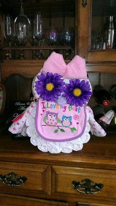 Owl diaper gift (how about for Amlah in her colors? ~dahni)