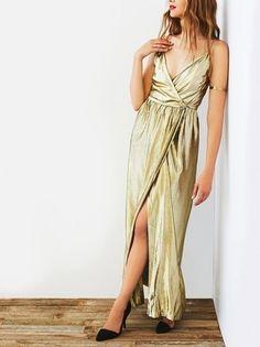 67bd09641e6cd Look de moda  Vestido largo con recorte dorado