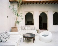white patio decor /