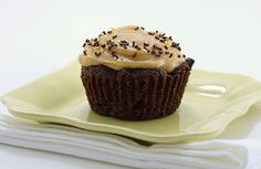 Chocolate Cupcakes with Peanut Butter Frosting (makes4)