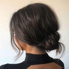 Ways to Style Brown Medium Hair: Stunning Medium Length Hairstyles mittellanges haar braun Medium Bob Hairstyles, Up Hairstyles, Wedding Hairstyles, Gorgeous Hairstyles, Middle Length Hairstyles, Spring Hairstyles, Medium Length Curled Hairstyles, Brown Hair Medium Length, Graduation Hairstyles