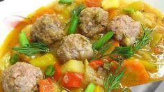Этот вкусный суп - отличный вариант летнего обеда. Вкусный, ароматный и питательный - один из многих символов лета и сезона кабачков