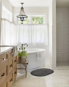 Bathroom Window Treatments Over Tub Master Bath Chandeliers 31 Ideas - Kronleuchter Modern French Country, French Country House, French Country Decorating, French Farmhouse, French Decor, Bathroom Window Treatments, Bathroom Windows, Bathroom Tubs, Bathroom Fixtures