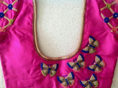 Chudidhar Neck Designs, Kids Blouse Designs, Simple Blouse Designs, Blouse Back Neck Designs, Pattu Saree Blouse Designs, Blouse Designs Silk, Designer Blouse Patterns, Bridal Blouse Designs, Hand Work Blouse