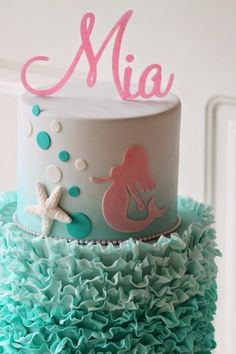 Mermaids are kind of a big deal right now with little girls. If your little one is asking for a mermaid party, then you will want to look through our list of 8 mermaid birthday cakes. Whether yo Mermaid Birthday Cakes, Themed Birthday Cakes, Birthday Parties, 3rd Birthday, Birthday Ideas, Birthday Cakes For Girls, Little Mermaid Cakes, Bolo Fondant, Fondant Cakes