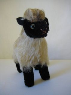 Steiff Vintage Snucki Mountain Sheep - 12 cm - Smallest of 4 Sizes - 1959 to 1969 Sheep Names, 50 Years Old, Tan Lines, Etsy App, Black Glass, All Pictures, I Shop, Mountain, Vintage